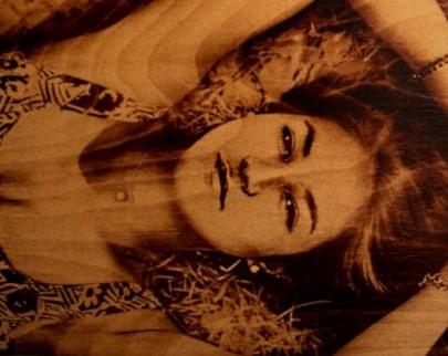 портрет на дереве на заказ в Тольятти